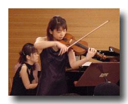 ヴァイオリニスト沖津さんによる特別演奏。