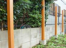 ウッドフェンスの支柱